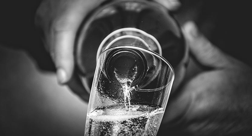 Vyno rūgštingumas (pH), naudojamų sulfitų (SO2) kiekis ir vyno* skonis
